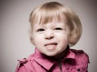 Ranger de dentes na infância